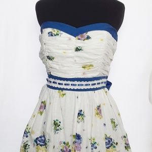 Dress Sz L White Eyelet Lined Strapless Stay Bust